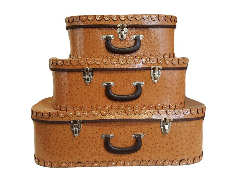 Vintage Suitcases | Uniquely Chic Vintage Rentals