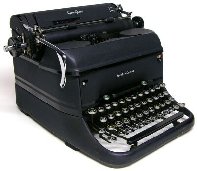Antique Black Typewriter | Uniquely Chic Vintage Rentals