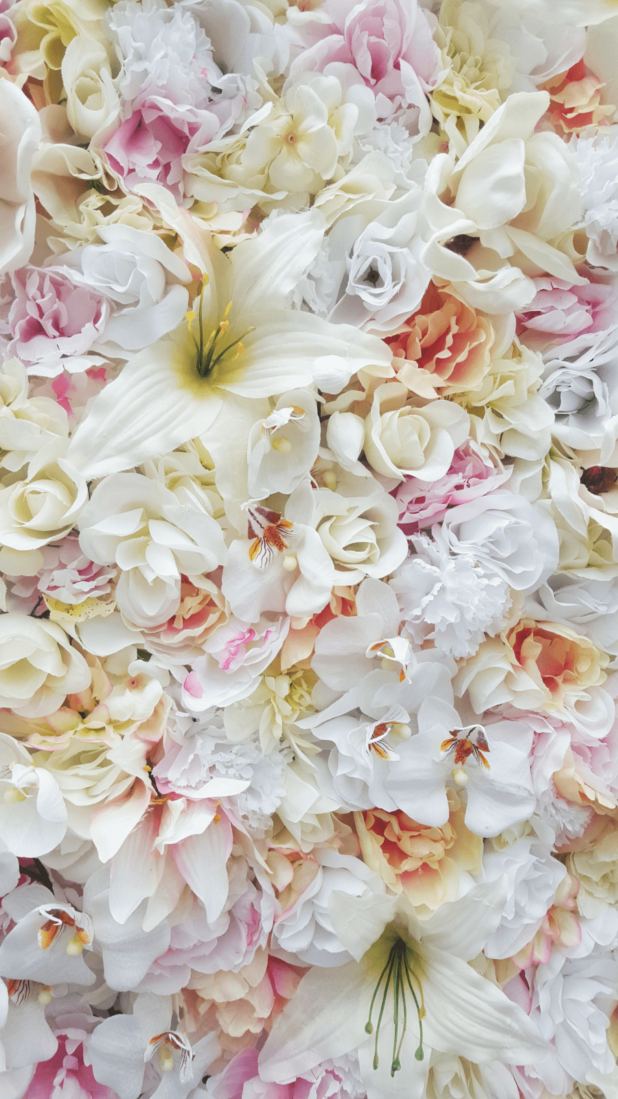 Flower Wall (Close Up) | Uniquely Chic Vintage Rentals