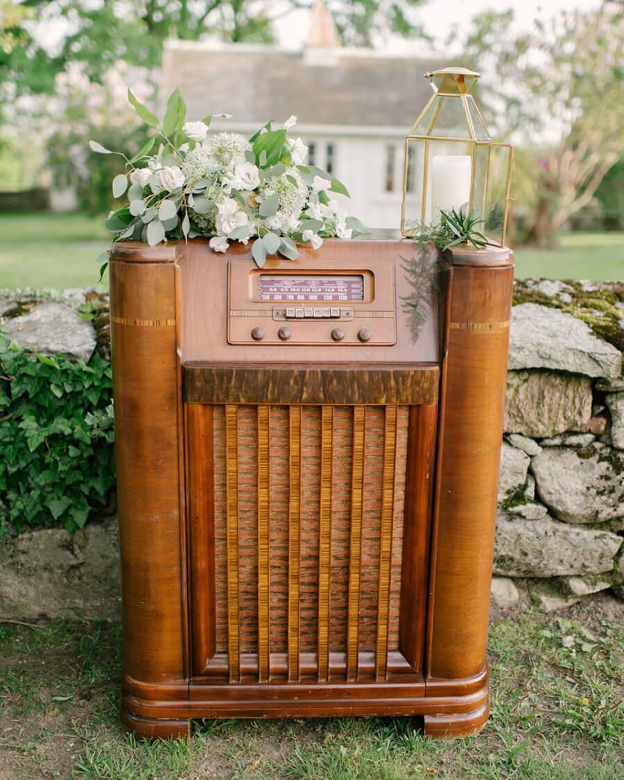 Antique Floor Radio | Uniquely Chic Vintage Rentals