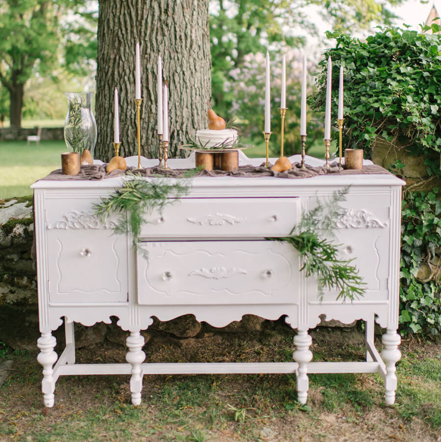 Vintage Server & Dry Bar | Uniquely Chic Vintage Rentals