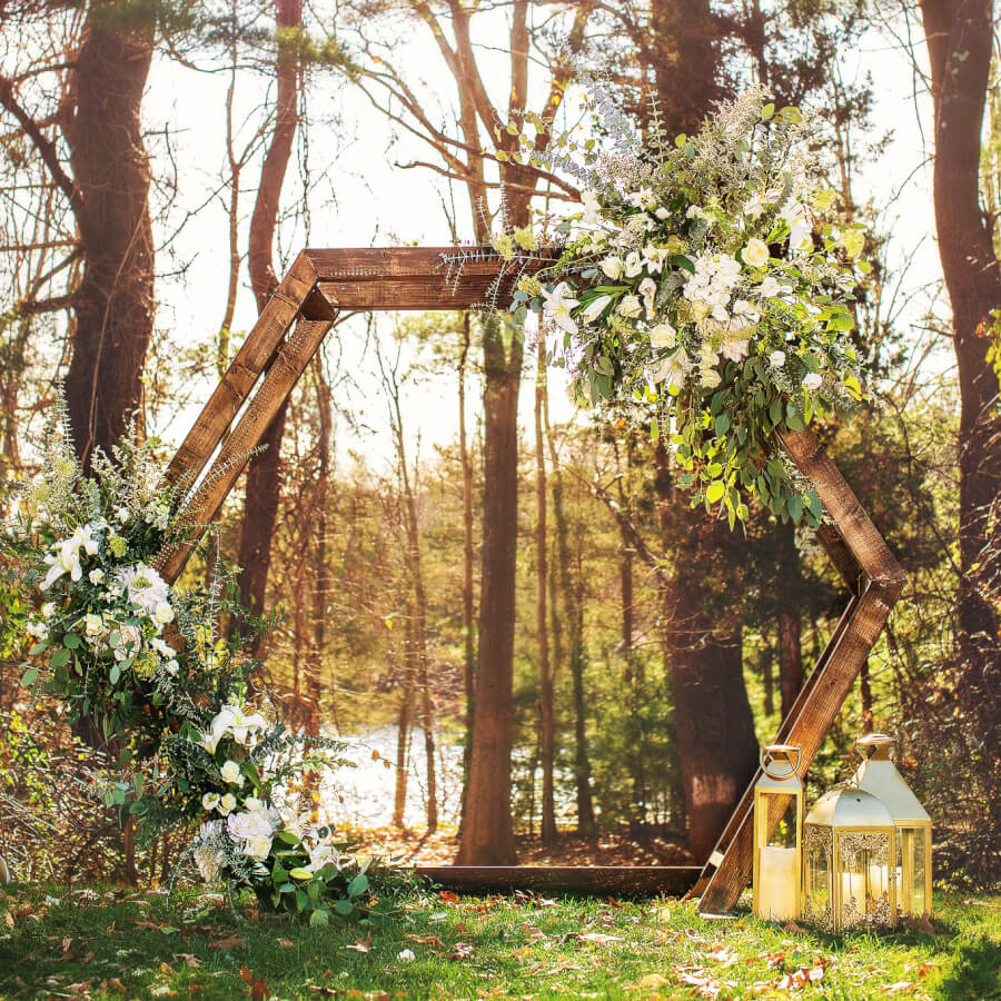 Hexagon Arbor | Uniquely Chic Vintage Rentals